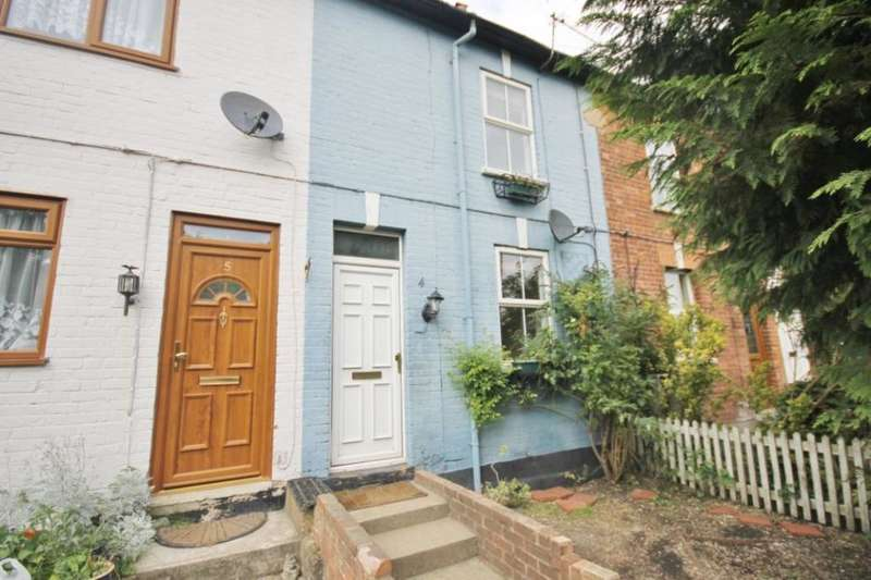 4 Bedrooms Property for rent in Egham Hill, Egham, TW20