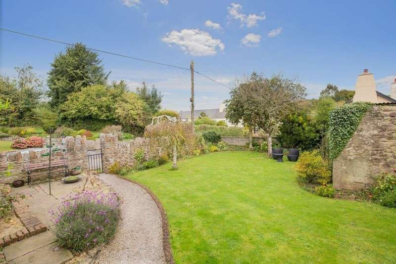 4 Bedrooms Detached House for sale in Dainton
