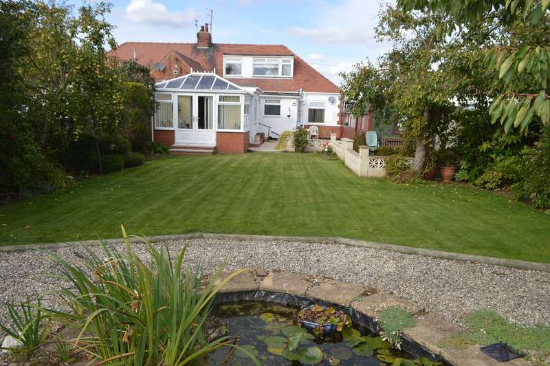4 Bedrooms Bungalow for sale in Main Road, Wyton, HU11