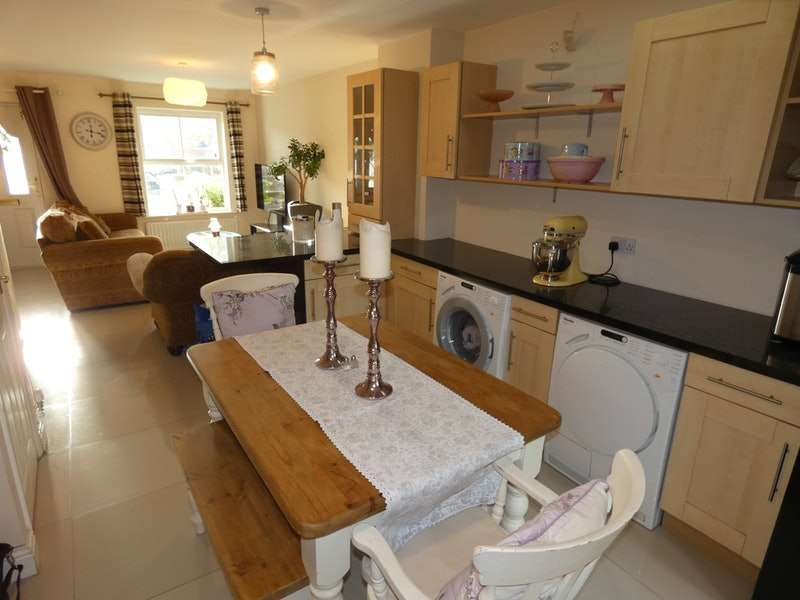 3 Bedrooms End Of Terrace House for sale in Leegrange Road, Manchester, Greater Manchester, M9