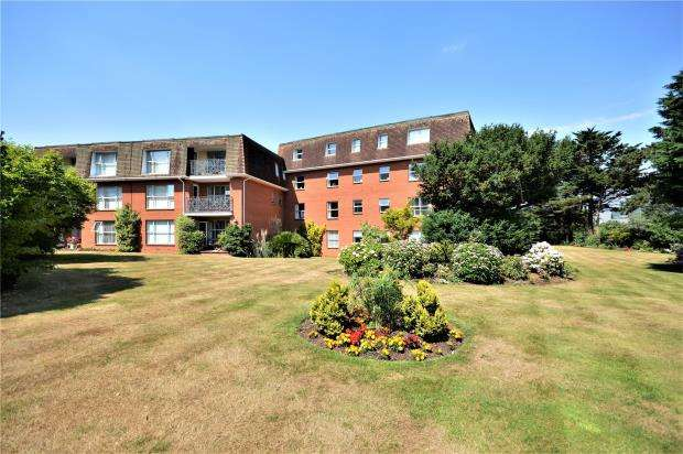 3 Bedrooms Flat for sale in The Redlands, Manor Road, Sidmouth, Devon