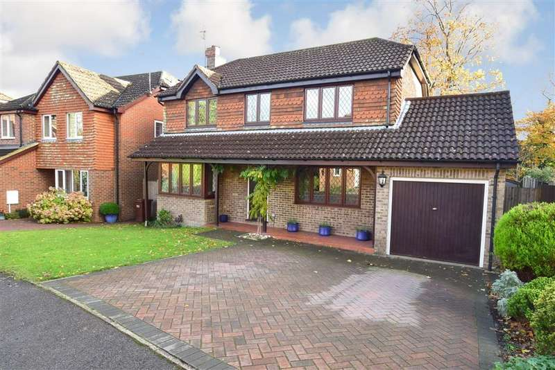 4 Bedrooms Detached House for sale in Graycoats Drive, , Crowborough, East Sussex