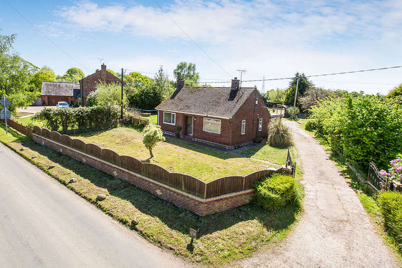 3 Bedrooms Detached Bungalow for sale in Brookside Farm Cogshall Lane, Comberbach, Northwich, CW9