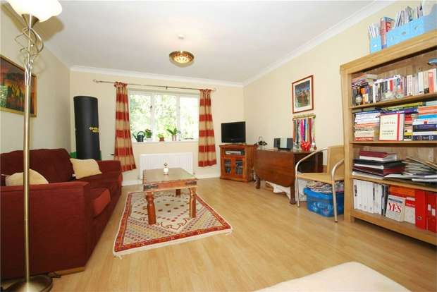 1 Bedroom Flat for sale in Regents Court, 25 London Lane, BROMLEY, Kent
