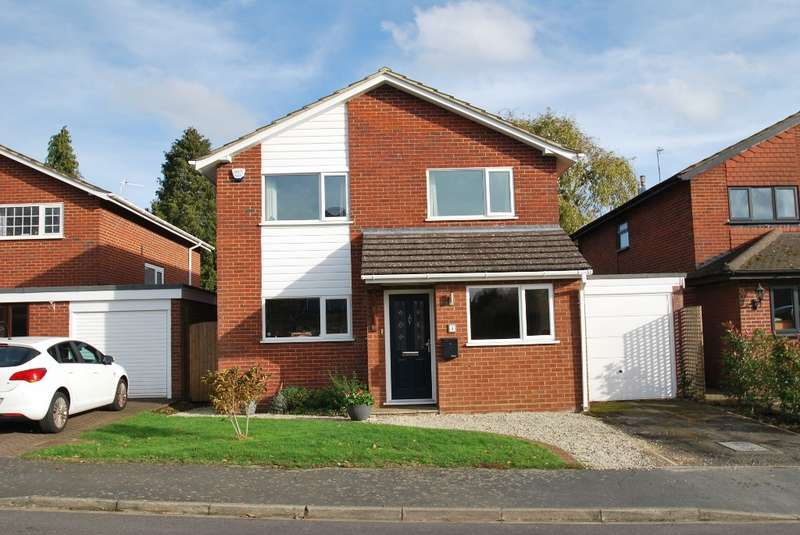 4 Bedrooms Detached House for sale in Wannions Close, Botley, Chesham, HP5