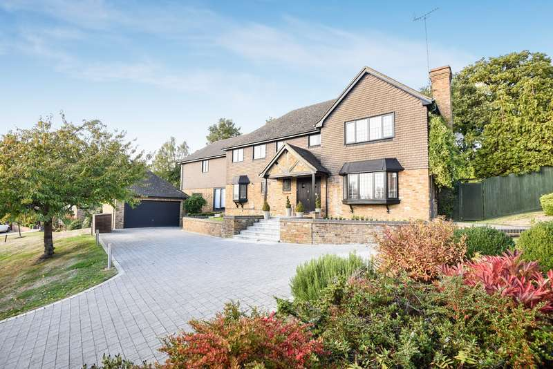 5 Bedrooms Detached House for sale in Seven Acres, Northwood