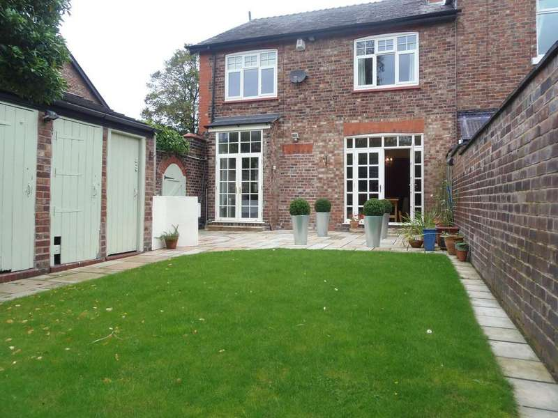 4 Bedrooms Semi Detached House for sale in Padgate Lane, Warrington