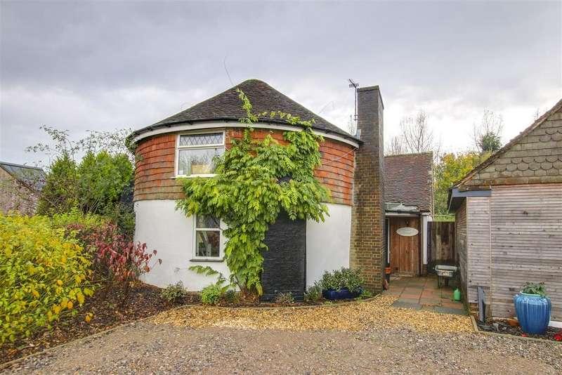 2 Bedrooms Detached House for sale in Chalvington Road, Golden Cross, Hailsham