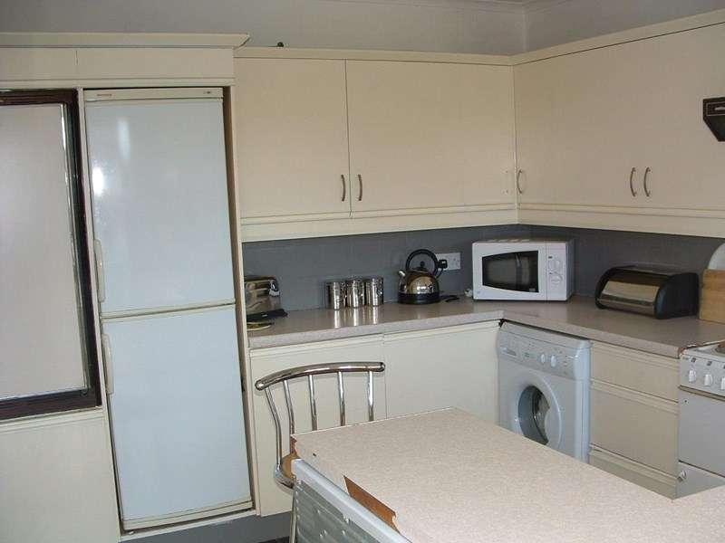 3 Bedrooms Property for sale in Warwick Place, Peterlee, Peterlee, Durham, SR8 2HL