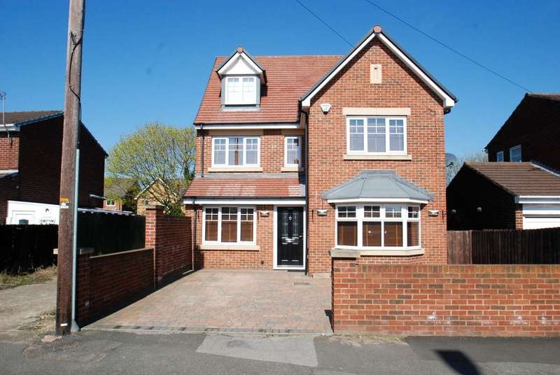 5 Bedrooms Detached House for sale in Harton Lane, South Shields