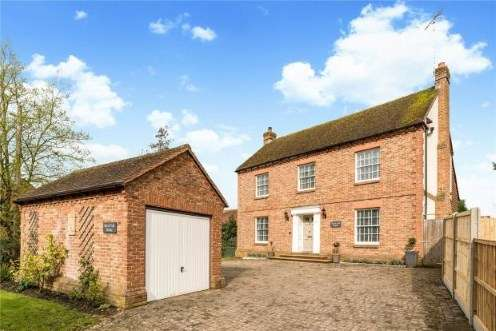 4 Bedrooms Detached House for sale in Petworth, West Sussex, UK