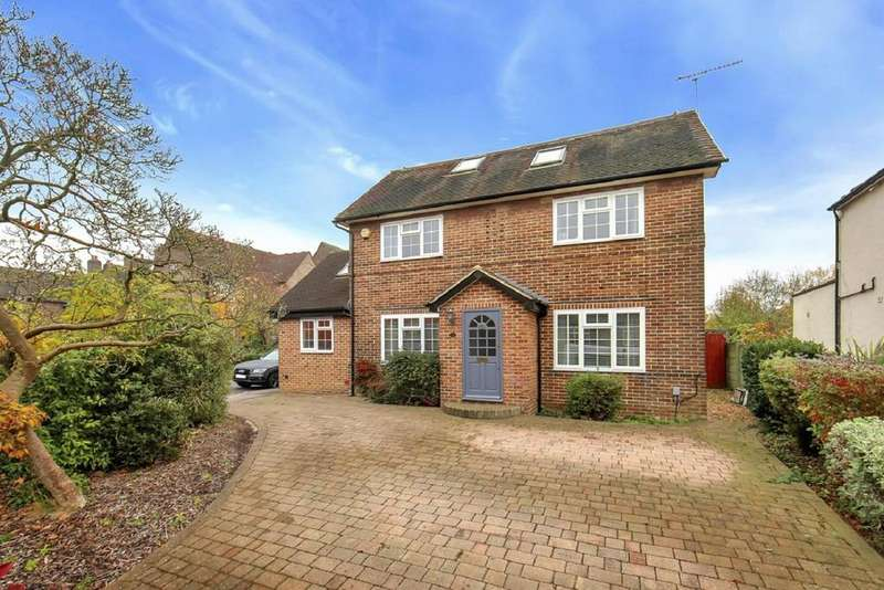 5 Bedrooms Detached House for sale in Chase Road, Southgate