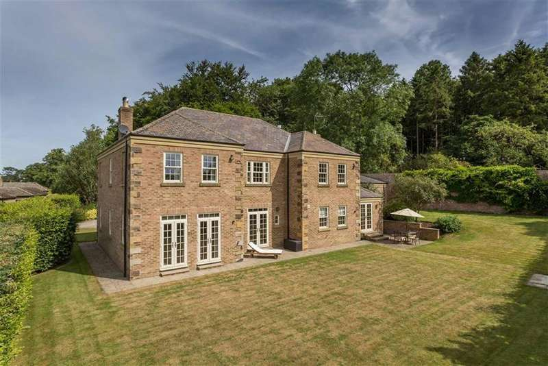 4 Bedrooms Detached House for sale in Brough Park, Richmond, North Yorkshire