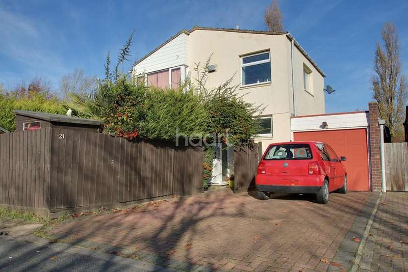 3 Bedrooms Detached House for sale in Almond Grove, Bar Hill