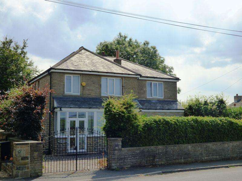 4 Bedrooms Detached House for sale in Lower Wyke Lane, Wyke, Bradford