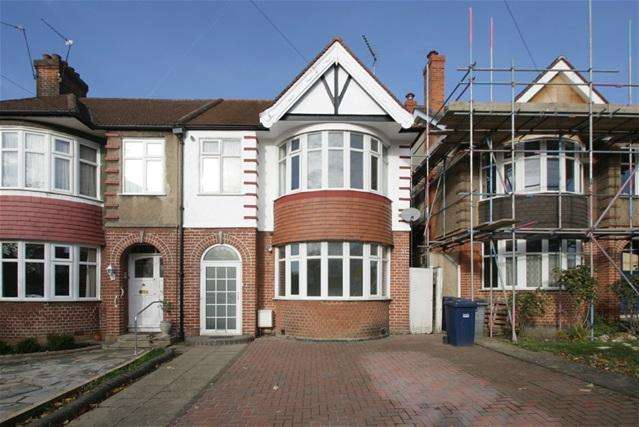3 Bedrooms Semi Detached House for sale in Arlington Road, Southgate