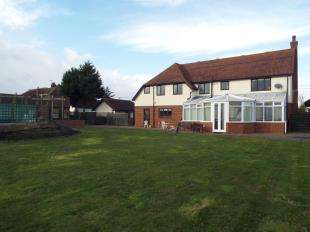 5 Bedrooms Detached House for sale in Hoppers Farm, Ratcliffe Highway, Rochester, Kent