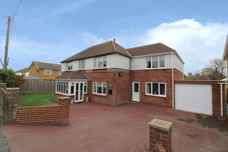 5 Bedrooms Detached House for sale in Dymchurch, TN29 0PD