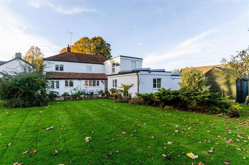 9 Bedrooms Detached House for sale in The Street, Costessey, Norwich