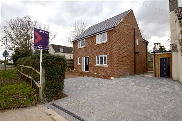 4 Bedrooms Detached House for sale in School Lane, Whitminster, GLOUCESTER, GL2 7PQ