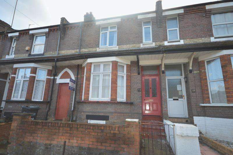 6 Bedrooms House for sale in Russell Street.