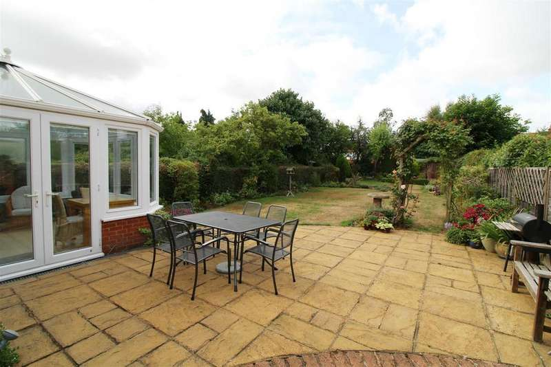 4 Bedrooms Semi Detached House for sale in Albert Road, Caversham, Reading
