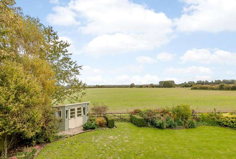 4 Bedrooms Detached House for sale in Dolphin House, High Street, Caenby, Market Rasen, LN8