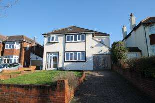 4 Bedrooms Detached House for sale in Church Way, South Croydon