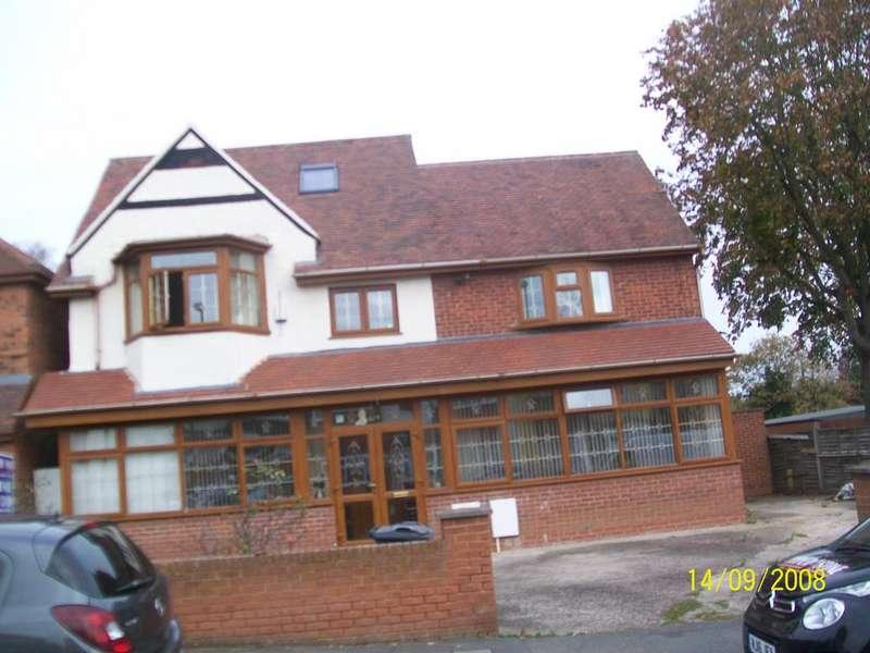 6 Bedrooms Semi Detached House for sale in Churchill Road, Handsworth, Birmingham B20
