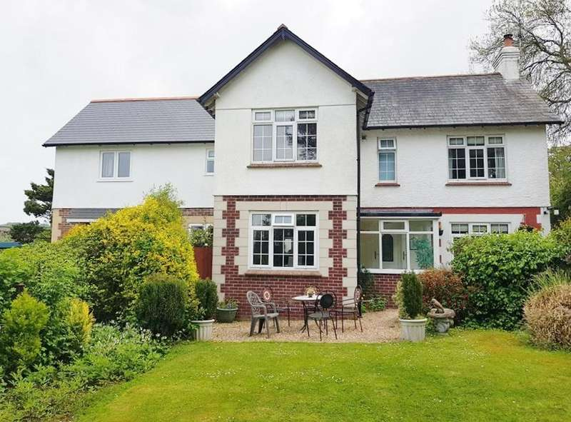 4 Bedrooms Detached House for sale in Cooks Lane, Axminster, Devon