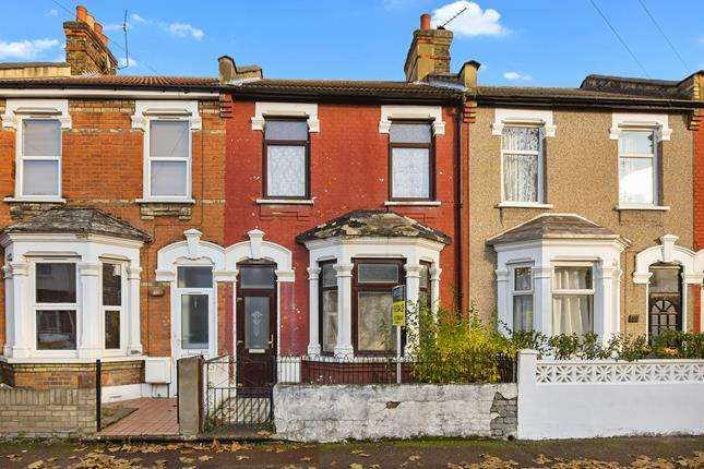 3 Bedrooms Terraced House for sale in Ladysmith Avenue, London, E6 3AP