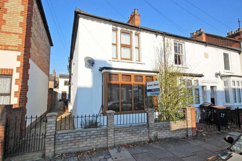 3 Bedrooms Terraced House for sale in Park Road West, Bedford
