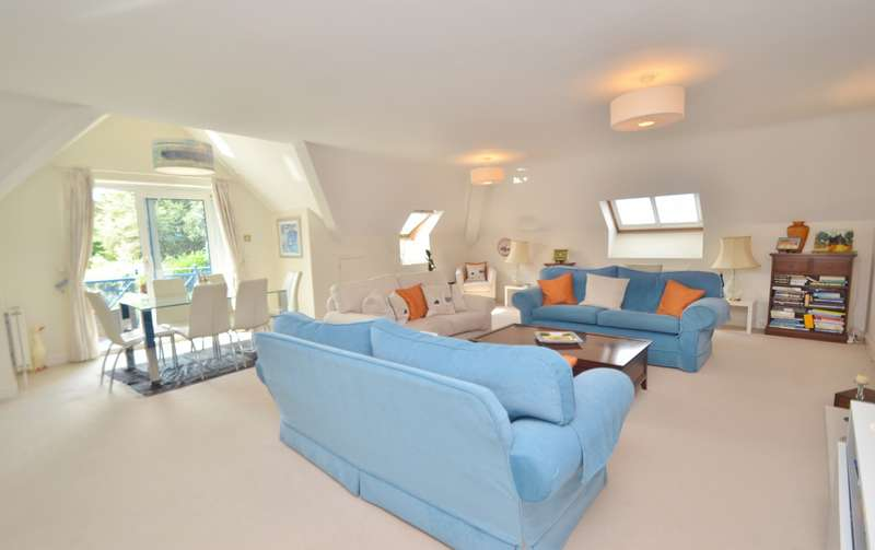 3 Bedrooms Penthouse Flat for sale in West Cliff