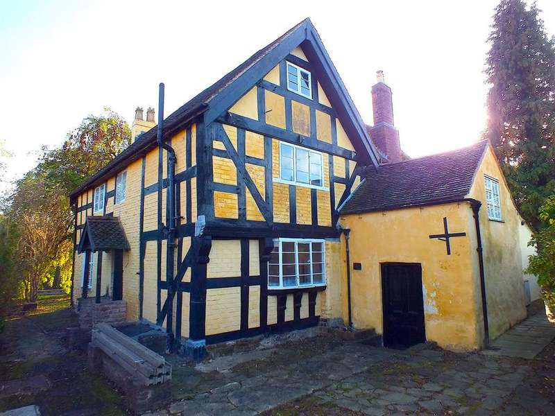 5 Bedrooms Detached House for sale in Cleobury Road, Bewdley