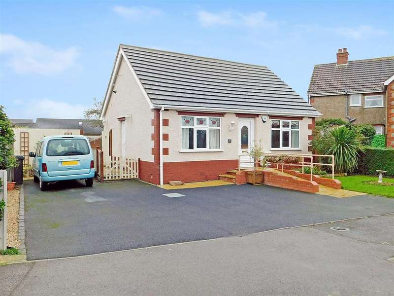 2 Bedrooms Detached Bungalow for sale in St Marys Road, Skegness, Lincs, PE25 2LT