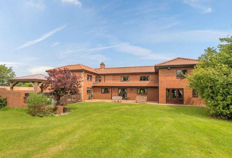 6 Bedrooms Detached House for sale in Low Burnham Hall, Low Burnham, Epworth, Doncaster, DN9