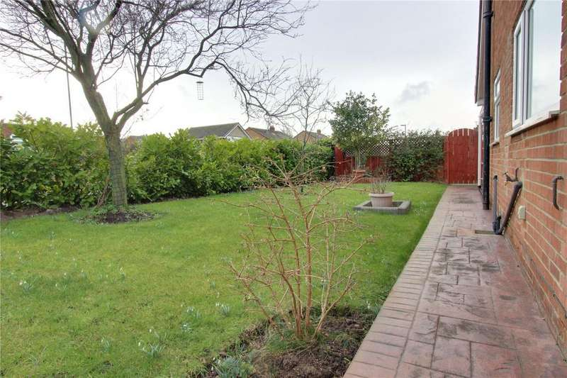2 Bedrooms Semi Detached Bungalow for sale in Kensington Avenue, Normanby
