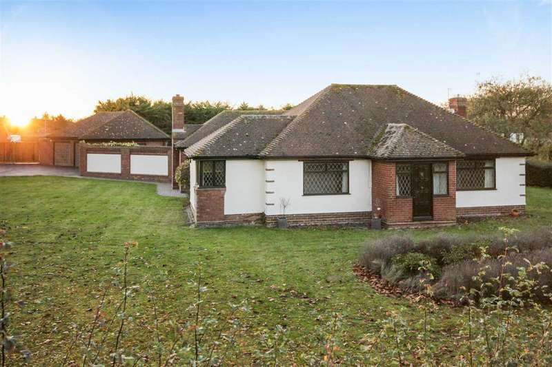 4 Bedrooms Bungalow for sale in Great Tey Road, Little Tey