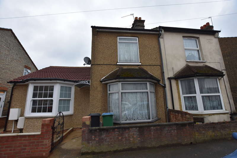 3 Bedrooms Terraced House for sale in Cecil Street, North Watford