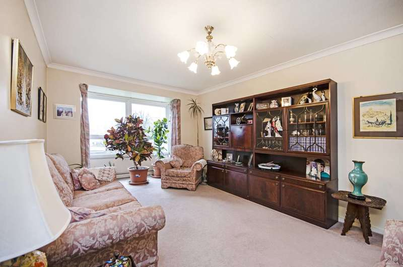 3 Bedrooms Flat for sale in Brampton Grove, Hendon, NW4