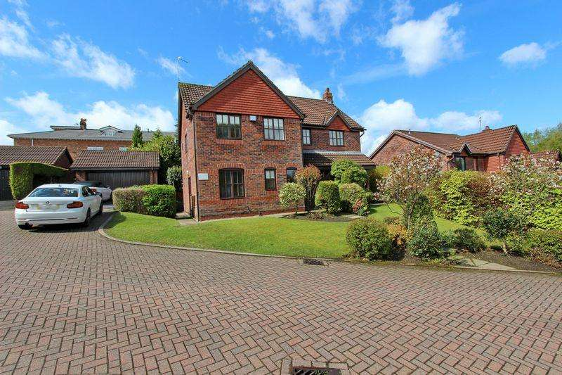 4 Bedrooms Detached House for sale in Leyburn Close, Whitefield, Manchester