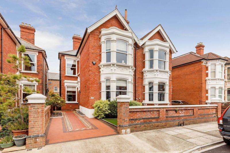 5 Bedrooms Semi Detached House for sale in Whitwell Road, Southsea