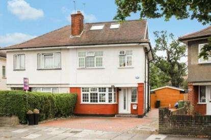 4 Bedrooms Semi Detached House for sale in Kingshill Avenue, Northolt, London