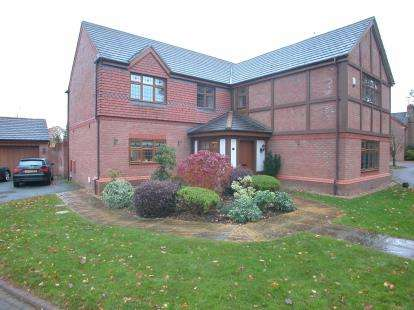5 Bedrooms Detached House for sale in Glade Drive, Little Sutton, Ellesmere Port, Cheshire, CH66