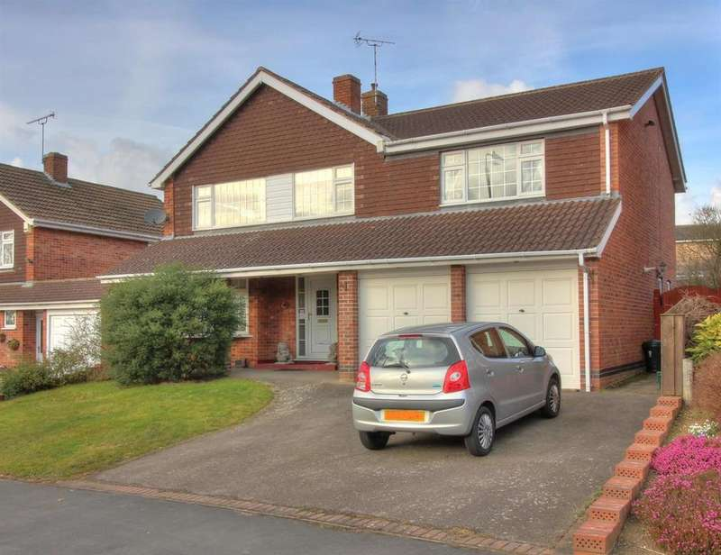 5 Bedrooms Detached House for sale in Kelmarsh Avenue, Wigston