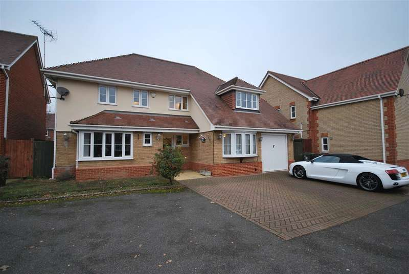 4 Bedrooms Detached House for sale in Bernard Grove, Beaulieu Drive, Waltham Abbey