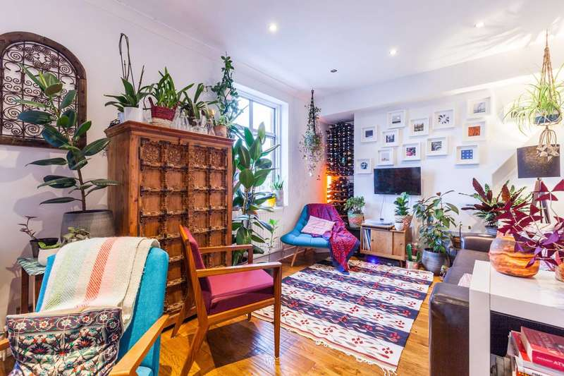 2 Bedrooms Flat for sale in Hackney Road, Bethnal Green, E2