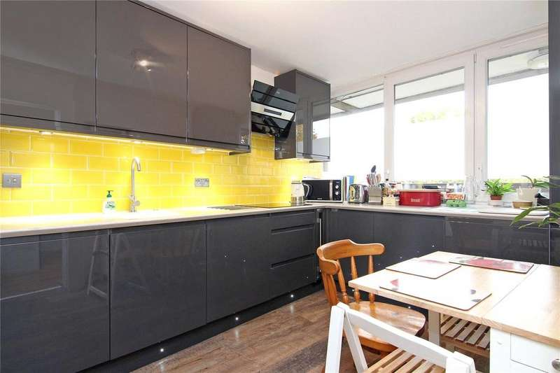 3 Bedrooms Apartment Flat for sale in Condell Road, London, SW8