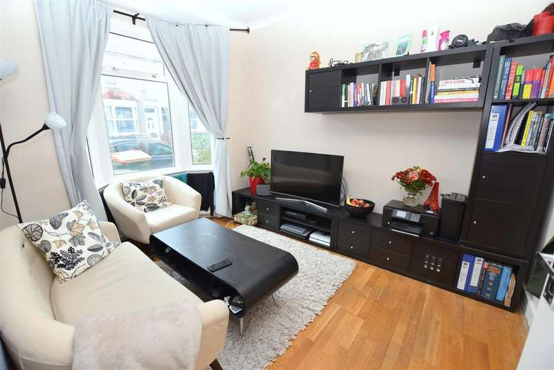 2 Bedrooms Terraced House for sale in Pond Road, Stratford