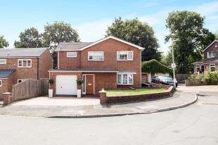 4 Bedrooms Detached House for sale in Deakin Leas, Tonbridge, Kent